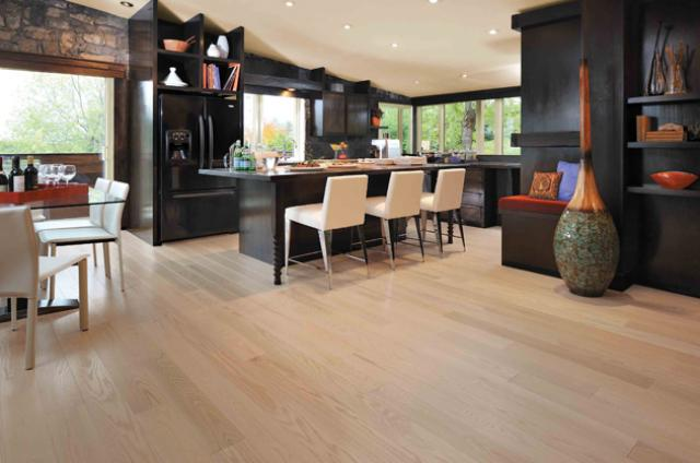 Mirage Hardwood: Alive-Red Oak Isla