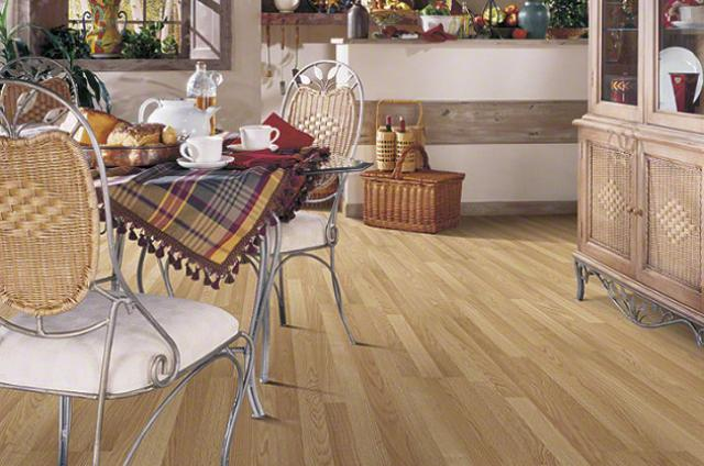Shaw Laminate: Big Bend Oak