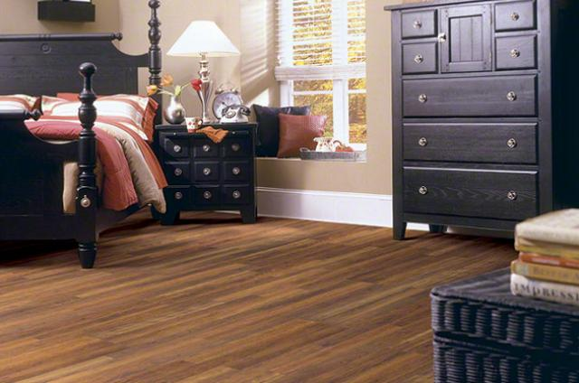 Shaw Laminate: Kings Canyon Cherry