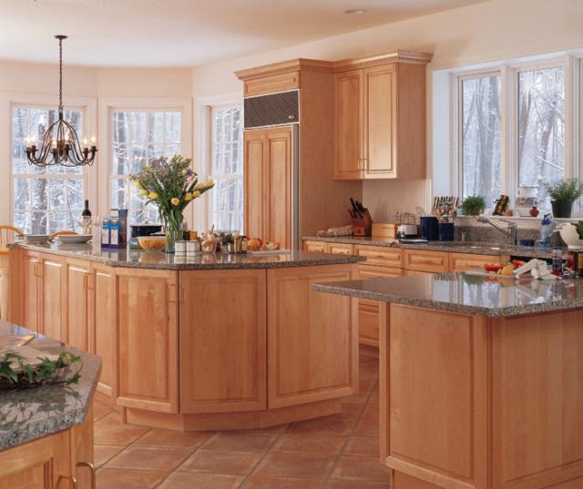 Light Maple Cabinets in Kitchen