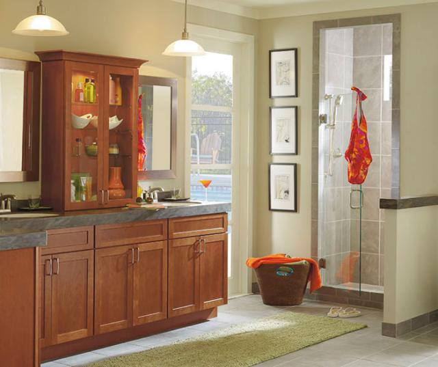 Shaker Style Cabinets in Bathroom